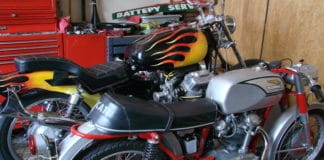 This article take you thorugh how to remove and install a battery of your motorcycle.