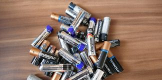 Knowing the voltage knowledge of aa & aaa batteries.